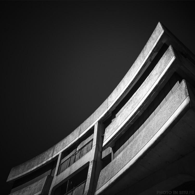 Série de fotografias apresenta New Créteil, o experimento moderno no interior da França, © Robin Leroy