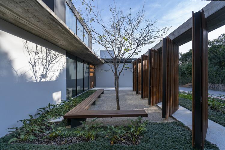 Patio House / Marchetti Bonetti+, © Ronaldo Azambuja