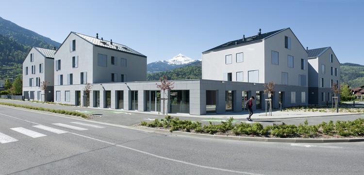 Passy 25 Collective Housing Unit and Commercial Spaces / Maisonnet Locatelli Architectes + Chaveneau Ohashi Architecte, © Béatrice Cafieri