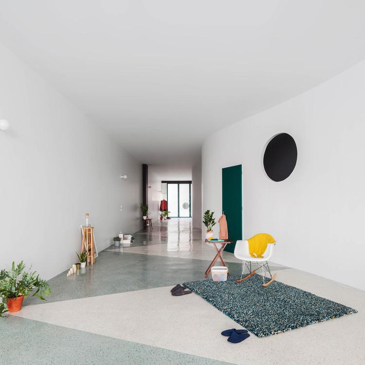Casa ao longo de uma Parede / fala, © Ricardo Loureiro