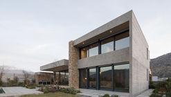 Casa Morro da Cruz / Turner Arquitectos
