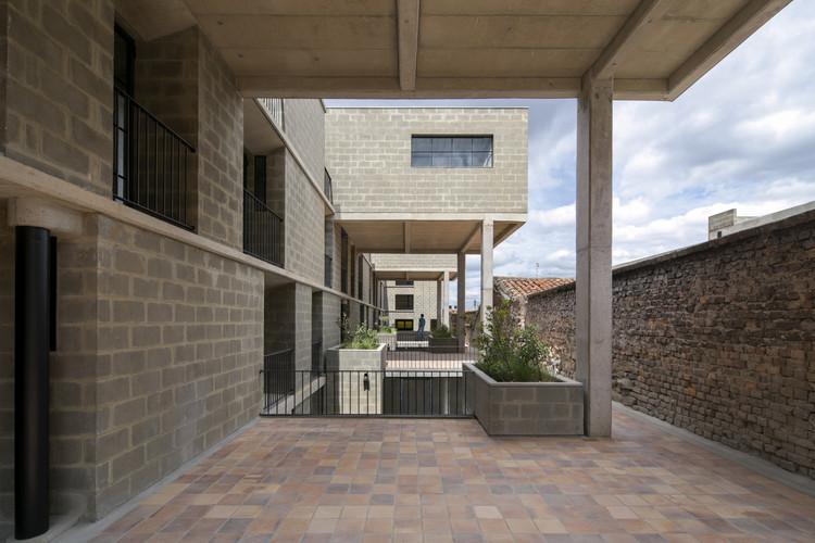 Pasajes residenciales / Taller de (S), ganador del Premio Nacional de Arquitectura y Urbanismo en Colombia, © Enrique Guzmán