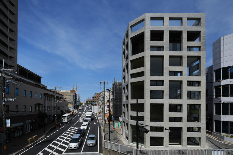 Grid Commercial Building / T-Square Design Associates, © Daisuke Nakamura