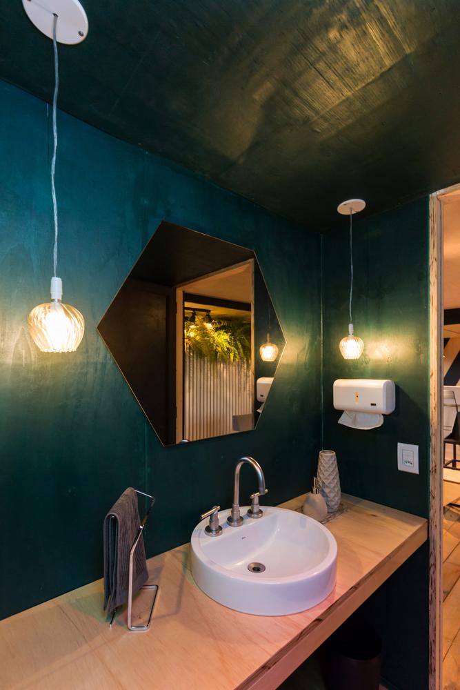 ¿Cuáles son los mejores revestimientos para baños?,© Marcelo Donadussi. Image Escritório Cabana arquitetura e design / Cabana arquitetura e design