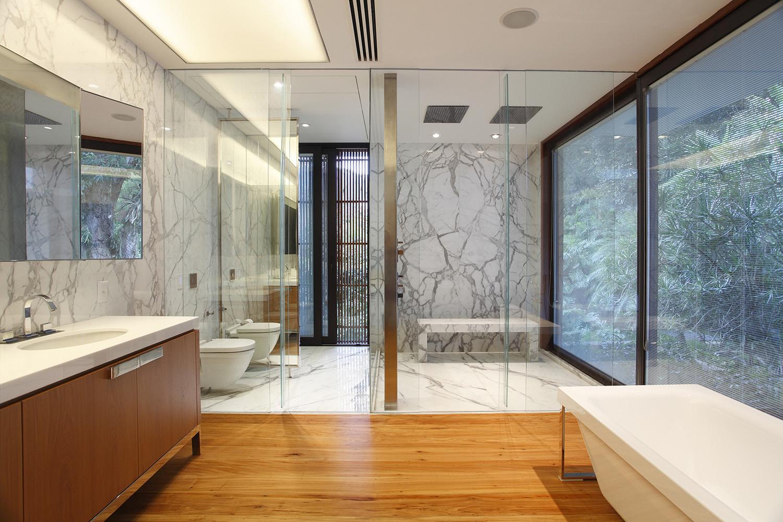 ¿Cuáles son los mejores revestimientos para baños?,© Denilson Machado - MCA Estudio. Image Casa Tempo / Gisele Taranto Arquitetura
