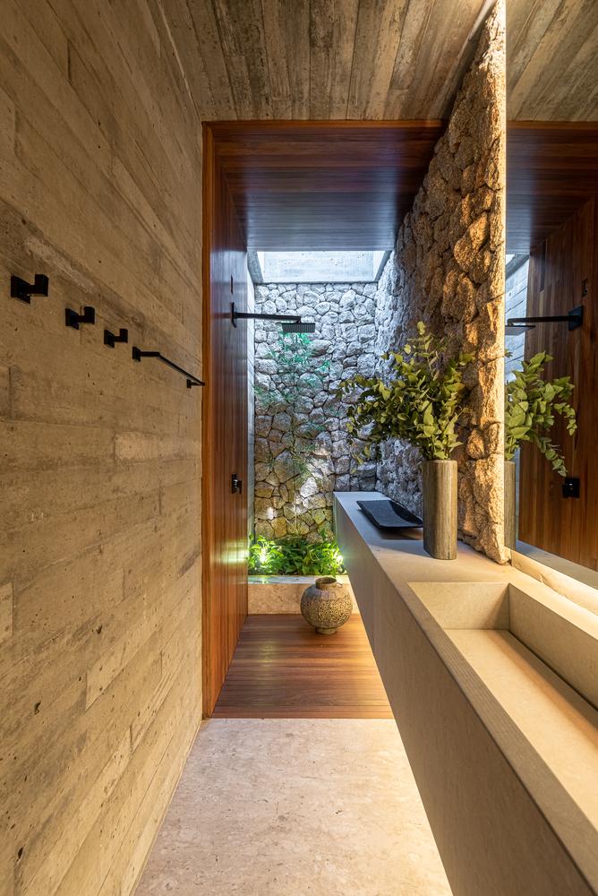 ¿Cuáles son los mejores revestimientos para baños?,© Studio Ode. Image Corten House / Costaveras Arquitetos