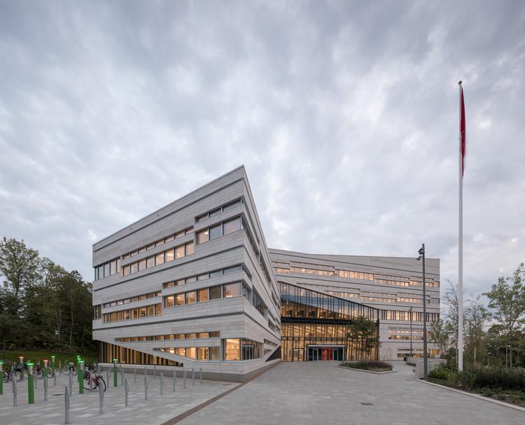Extensão Segerstedthuset na Universidade de Uppsala / 3XN, © Adam Mørk
