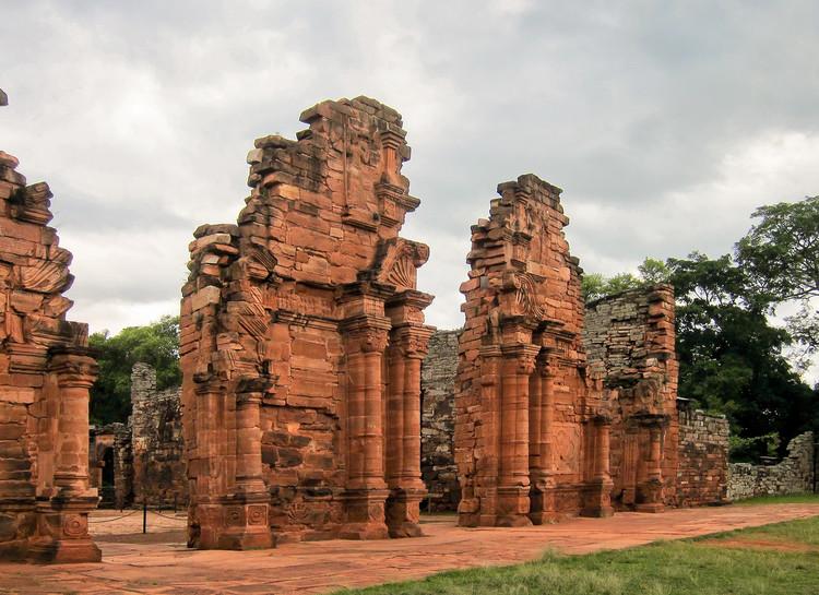 10 Ruinas y sitios arqueológicos que puedes visitar en Argentina, Ruinas de San Ignacio Miní (Misiones). Image © Miguel Vieira [Wikimedia] Bajo Licencia CC BY 2.0