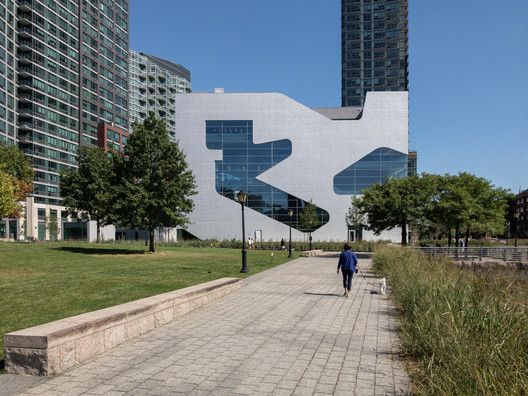 Steven Holl: ?I am interested in Architecture that Speaks to the Soul?