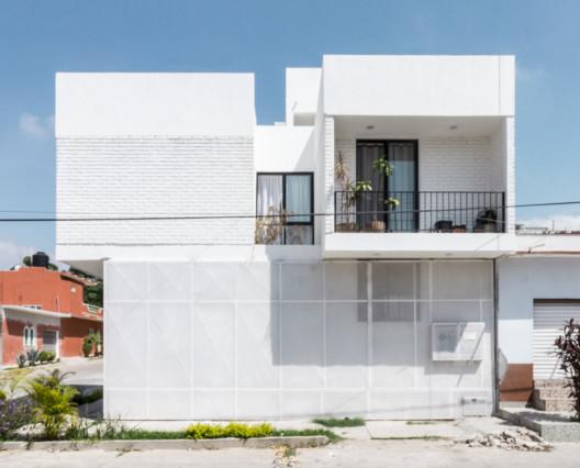 Departamentos Reforma / Apaloosa Estudio de Arquitectura y Diseño + Simetría Estudio de Arquitectura