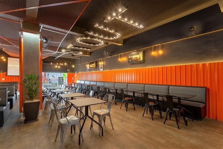 Hamburgueria Stout Burger / Vertentes Arquitetura, © Lucas Lamy