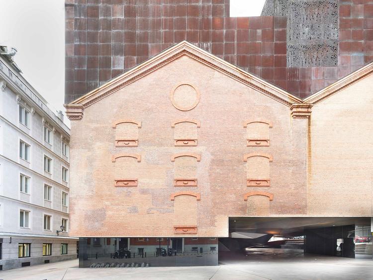 """Exposición """"La Revista Arquitectura: Cronista de Madrid"""" en la XVI Semana de la Arquitectura, CaixaForum Madrid. Image © Jordi Bernadó"""