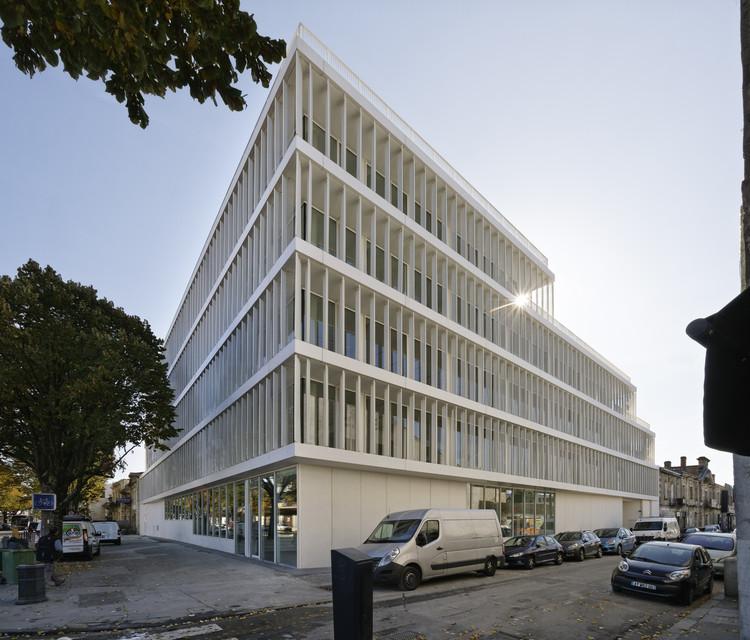 Opus 33 Office Building / Patrick Arotcharen, © Vincent Monthiers