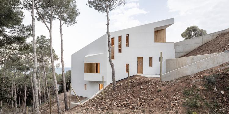 Casa en Tamariu / 05 AM Arquitectura, © Adria Goula