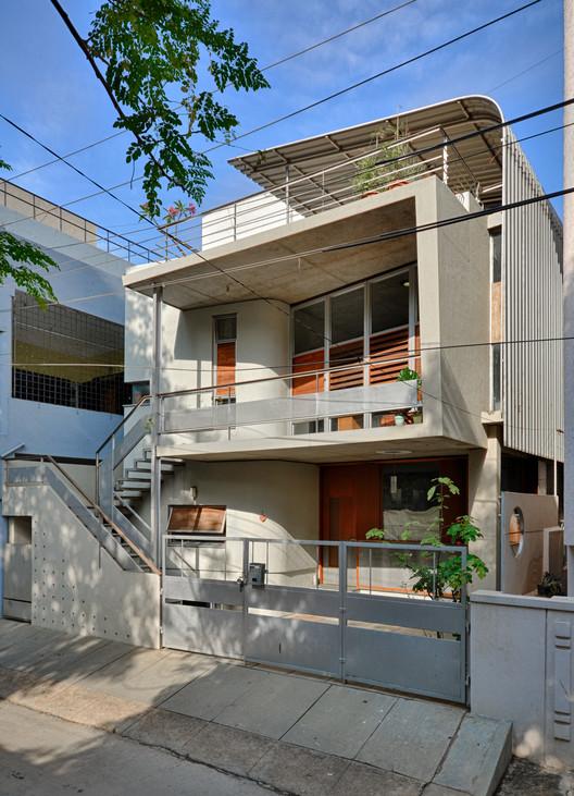 Creative Lab House / Meeta Jain Architects
