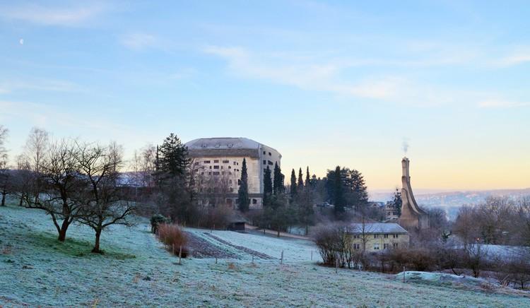 Trienal de Lisboa explora a relação entre agricultura e arquitetura no mundo contemporâneo, Goetheanum im Winter von Osten. Image Cortesia de Trienal de Arquitectura de Lisboa