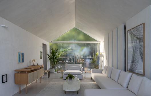FEATURED IMAGE - Living Barra Grande / NR Arquitetura