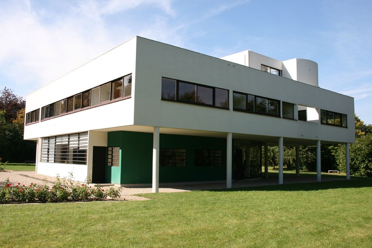 Le Corbusier Villa Savoye. Image © Yo Gomi under the license CC BY-SA 2.0