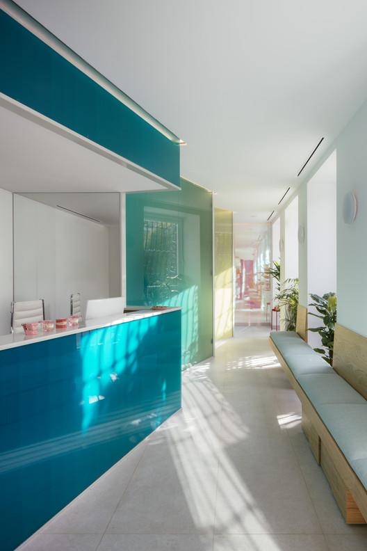 La sierra Dental Clinic / gon architects + Ana Torres
