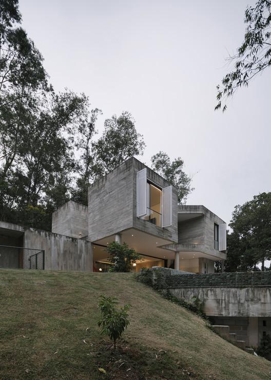 Pitanga House / Estúdio BRA