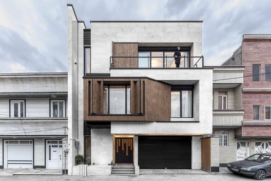 Parnian House / White Cube Atelier