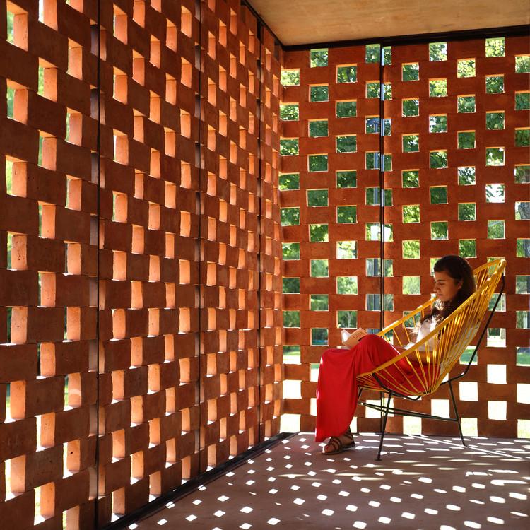 Arquitecturas argentinas con ladrillo: selección de obras contemporáneas que exploran el uso local del material, Pabellón Experimental del Ladrillo / Estudio Botteri-Connell. Image © Gustavo Sosa Pinilla