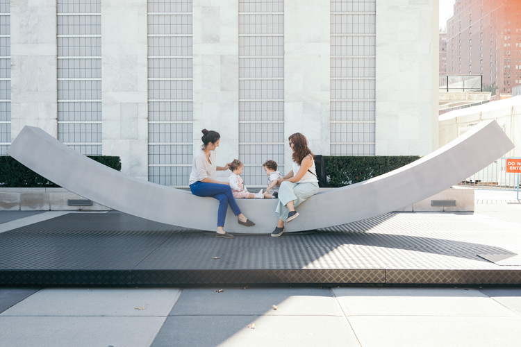 Snøhetta Creates Peace Bench Sculpture for the UN Headquarters, © NorwayUN/Johannes W. Berg