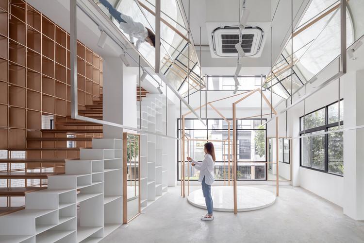 The Renovation of Sriwara Office / FATTSTUDIO, © Ketsiree Wongwan