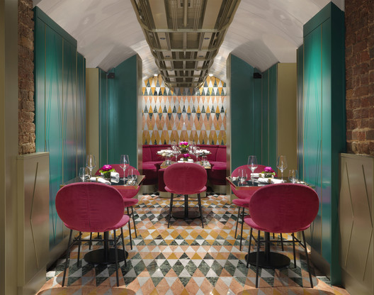 VyTA Covent Garden Restaurant / Collidanielarchitetto