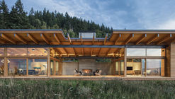 Residência Hood River / Scott | Edwards Architecture