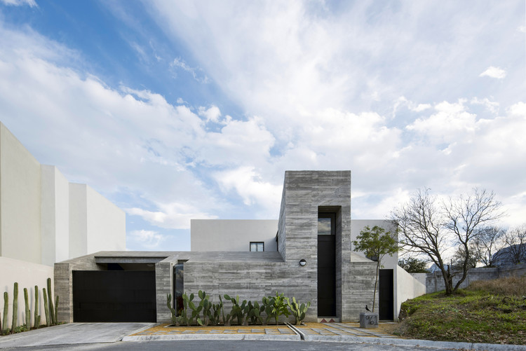 Pia House  / OAX Arquitectos, © The Raws