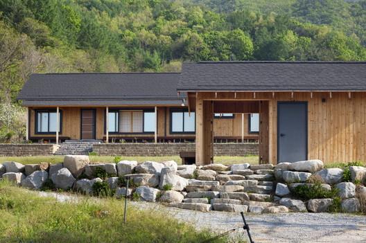 Devant Soi House  / Studio GAON