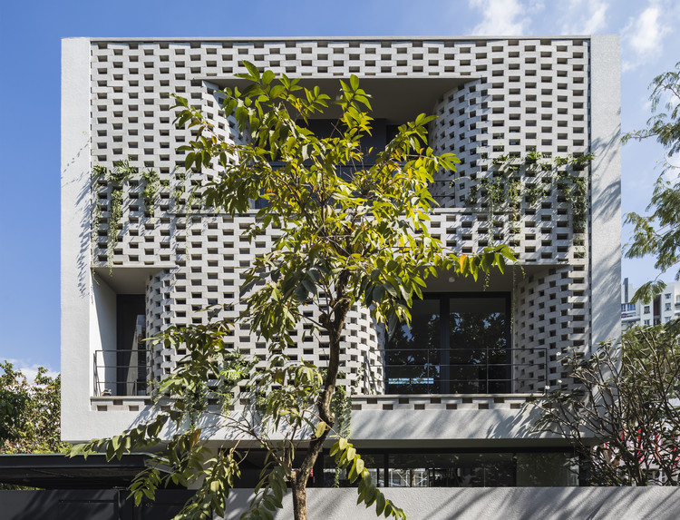 Casa en cascada / Nha Dan Architects, © Hiroyuki Oki