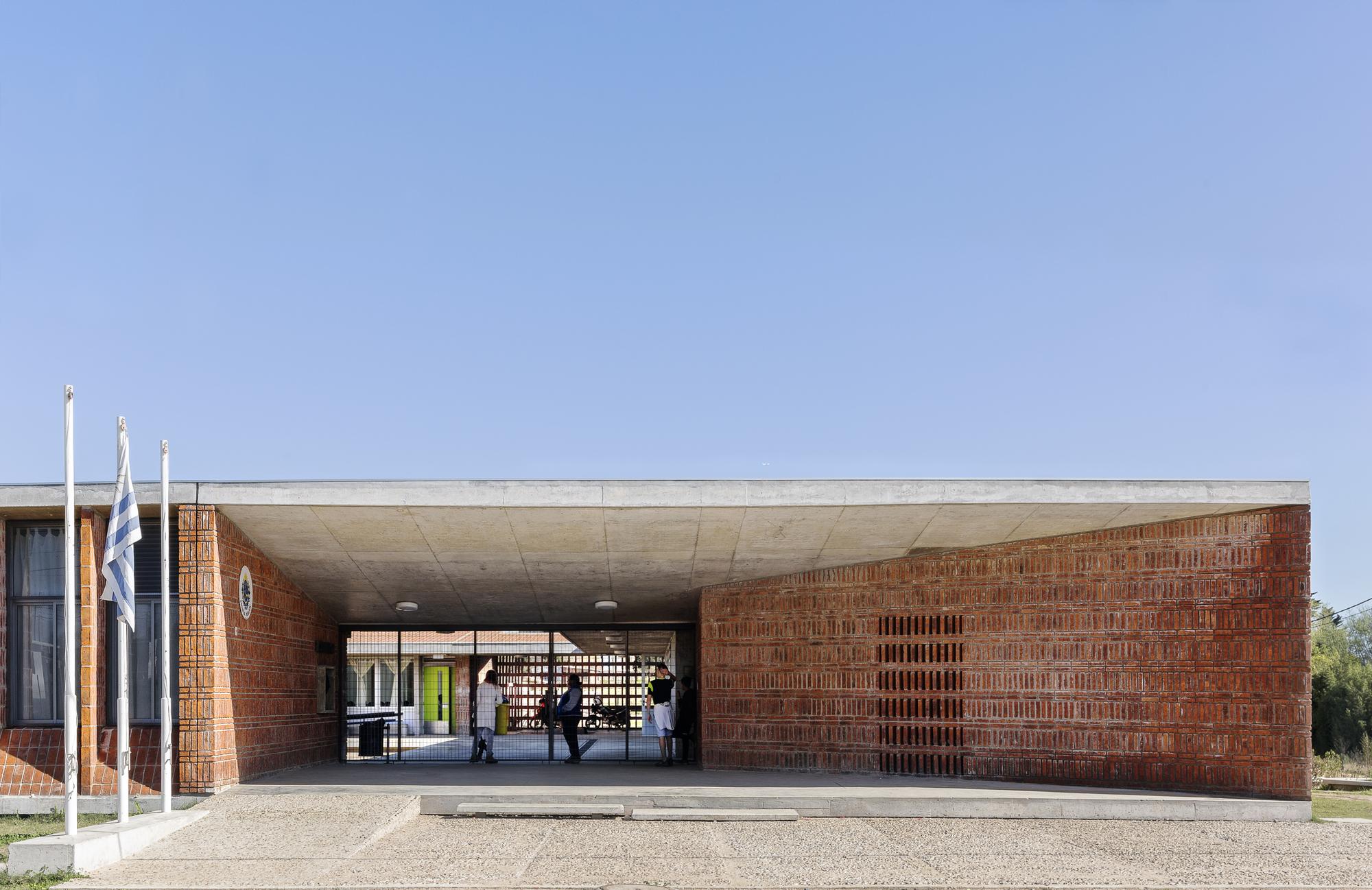 Fiera Del Mobile Colonia 2018 school n300 colonia nicolich / paepu_anep | archdaily