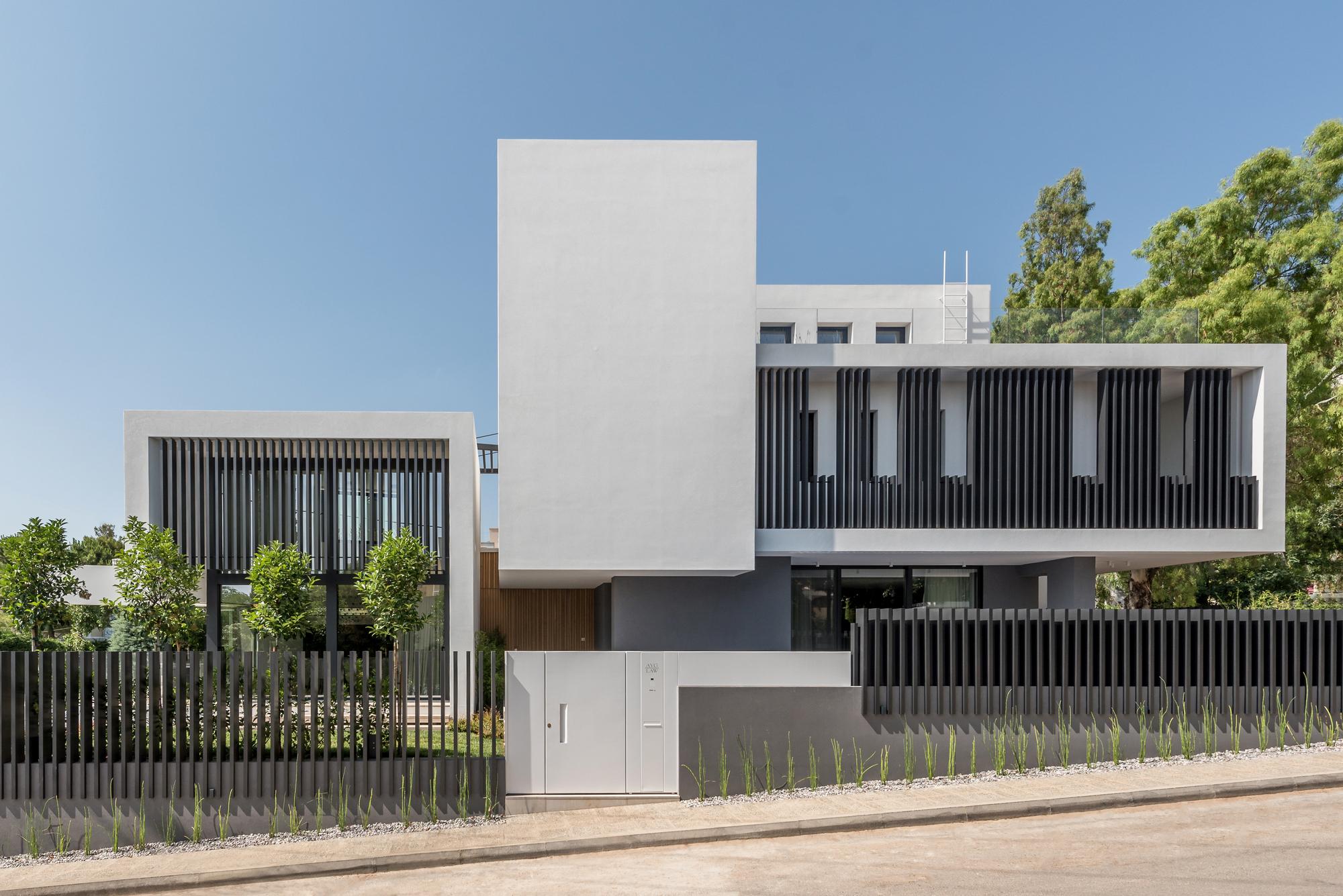 Villa 13 House / Parthenios architects+associates
