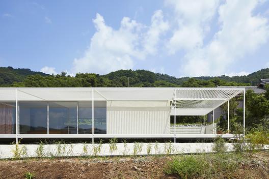 House in Shiraiwa / 2id Architects