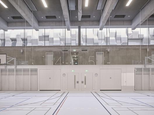 Wettingen Canton School Sports Hall / :mlzd
