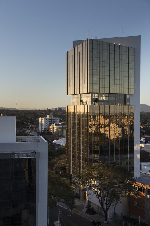 Golden Tower / Torres arquitetos associados