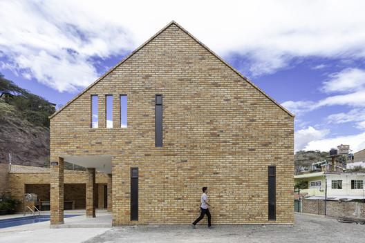 Casa Melania / CASTILLO + VALDIVIESO arquitectos