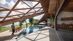 Casa carbono / Alexis Dornier