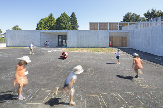 Elven School And Recreational Center / Atelier 56S