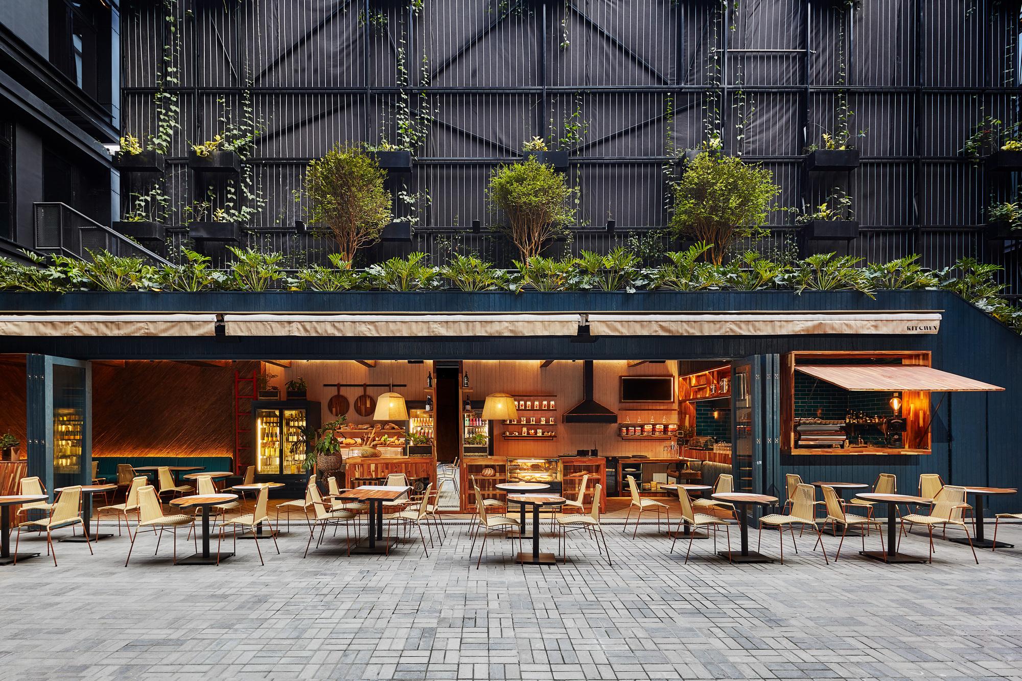 Gallery of Hotel Click Clack Medellín / Plan:b arquitectos - 2