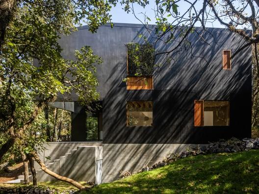 Tlalpuente House  / PPAA + Alfonso de la Concha Rojas