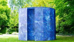 Blue-Screen Temple Installation / Mathieu Merlet Briand