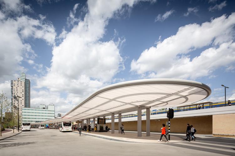 Bus Station Tilburg / architectenbureau cepezed, © cepezed | Lucas van der Wee
