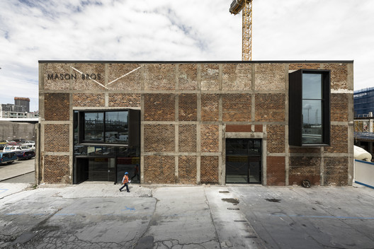 Mason Bros Warehouse Renovation / Warren and Mahoney Architects