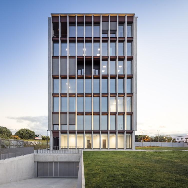 818 Building / A.As - Arquitetos Associados, © Fernando Guerra | FG+SG
