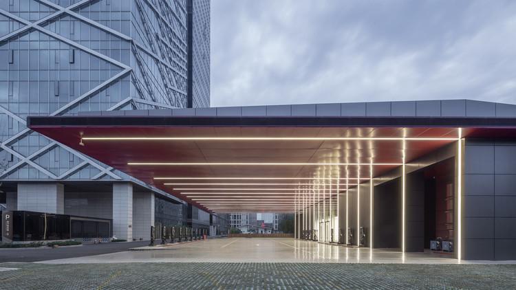 Estación de carga de vehículos eléctricos Hangzhou Inventronics / GLA. Imagen © shiromio studio