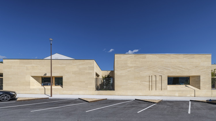 Escuela en Cuges-les-Pins / Antoine Beau Architecture + Kaboom Architecture, © Christophe Pozzo di Borgo