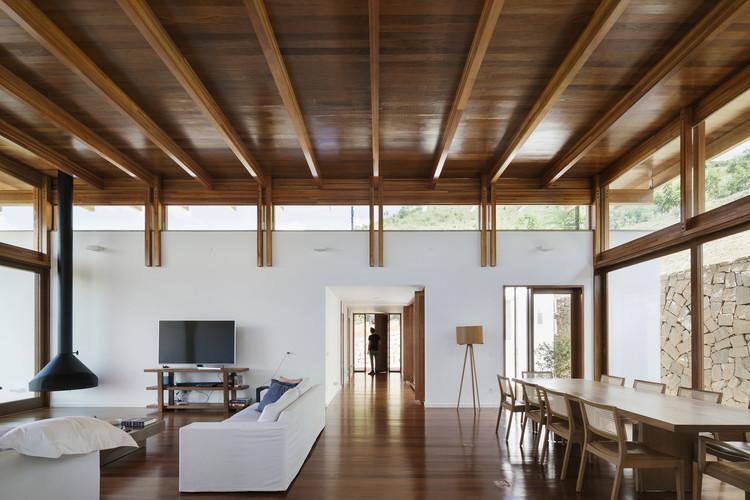 Casas brasileiras: 20 residências com piso de madeira, Casa do Monte / Gávea Arquitetos. Imagem: © Federico Cairoli